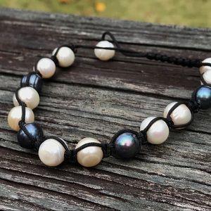Black and white pearl bracelet